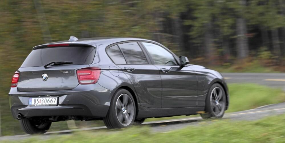 EKTE VARE: Selv om BMW 116d er den minste og rimeligste BMW-modellen, er kjørefølelse og -egenskaper i god BMW-ånd.