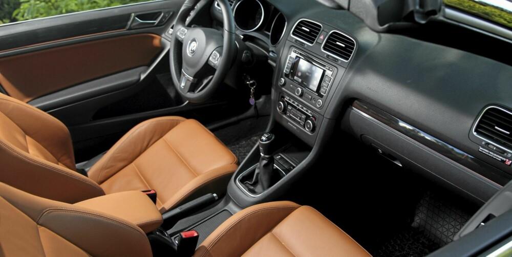 GOLF-KVALITET: Det gode interiørkvaliteten Volkswagen er kjent for, er selvsagt på plass her også.