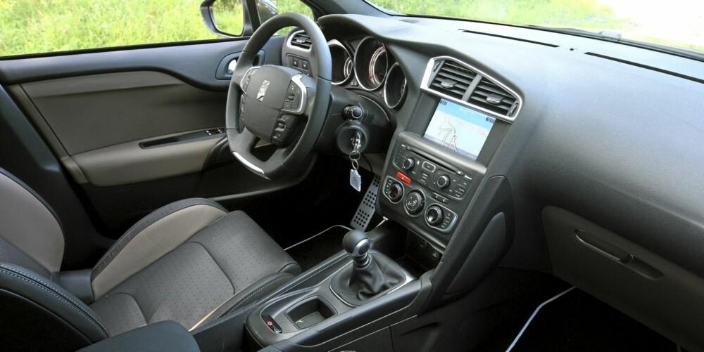 FRISKT PUST: Interiøret er moderne og består av materialer i god kvalitet. Al i alt gir det en veldig påkostet følelse.