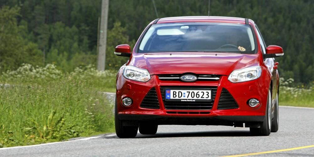 KJØREMESTER: Ford Focus er ikke like sylskarp som Alfa Romeo Guilietta, men kjører meget godt.