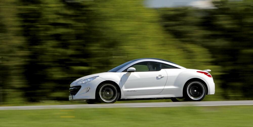 GODE YTELSER: Med 200 hester under panseret, er RCZ voldsomt rask. Den begynner faktisk å nærme seg Porsche Boxster på enkelte områder.