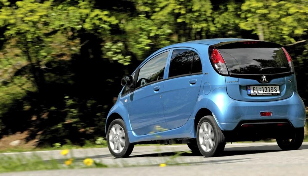 ELBIL: Peugeot iOn endrer ikke stort på fordommene angående elbilers utseende.