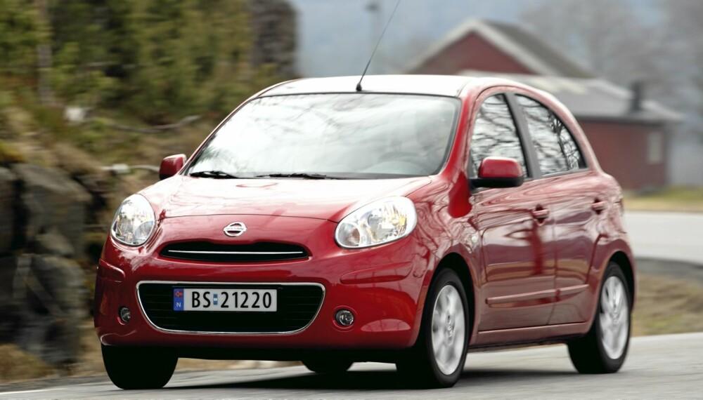 BRUKER LITE: Med et forbruk på 0,52 l/mil i vår testrunde, er Micra blant de gjerrigste bensinbilene vi har kjørt.