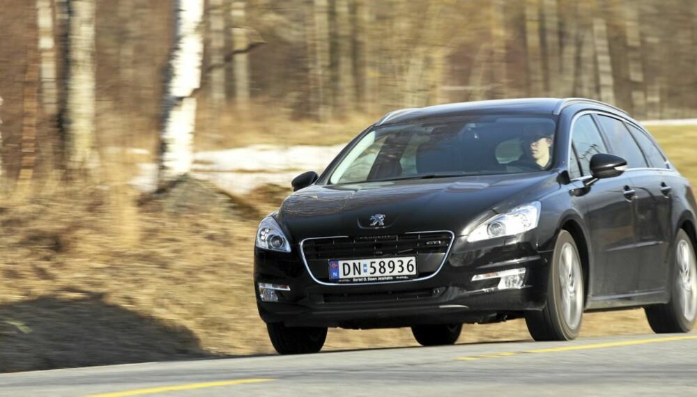 KJØRER BRA: 508 har et flott understell med en fin balanse mellom morsomme kjøreegenskaper og komfort.