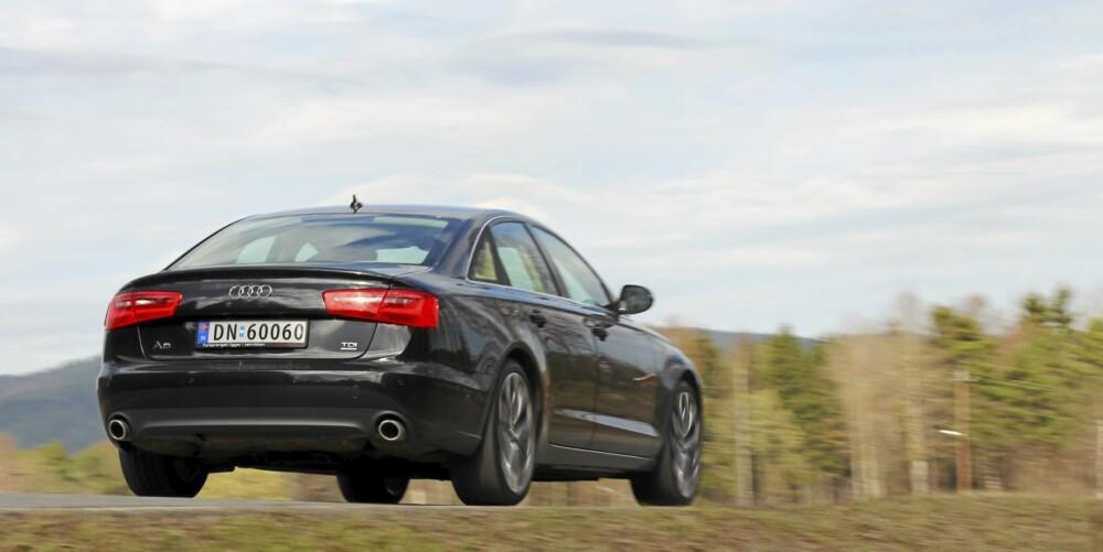 LANGER UT: En svingete landevei er favorittstrekningen i en Audi A6 3,0 TDI quattro.