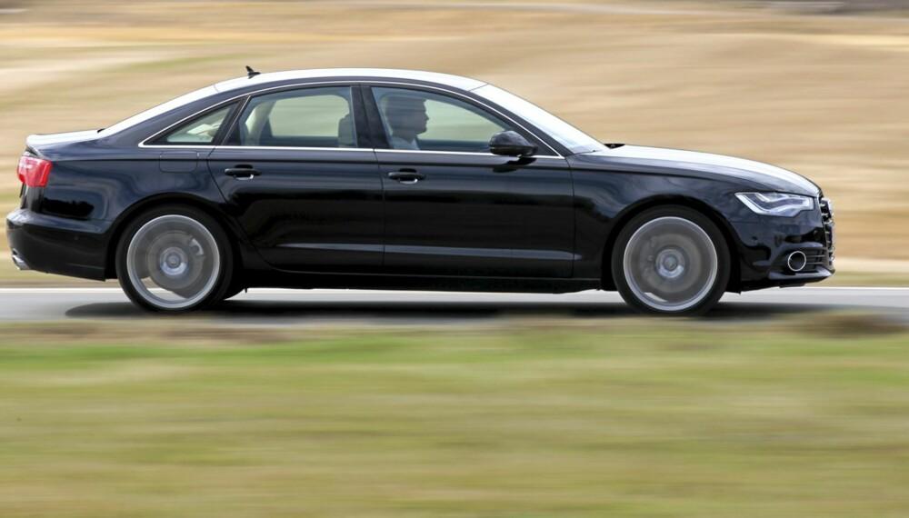 SKARP PROFIL: Den nye Audi A6 synes i gatebildet og er en kjøremaskin av rang.