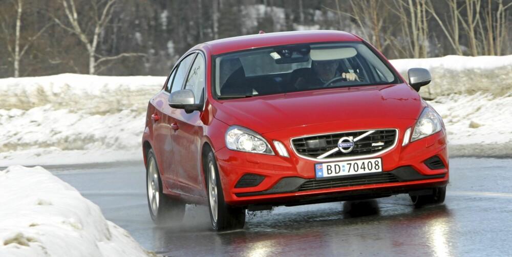 POTENT: S60 R-design er med sin lavere og stivere fjæring den sportsligste modeller fra Volvo per dags dato.
