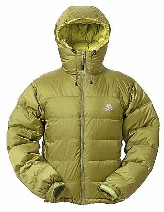 EN AV FAVORITTENE:  Mountain Equipement Omega jacket er en av favorittene til testpanelet.