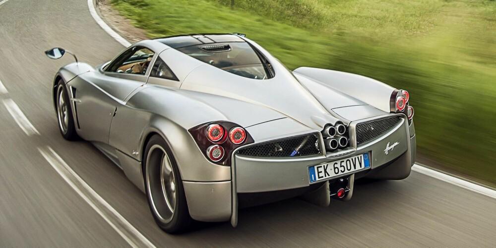 INSANE: Twinturbo V12-er med 740 hk og en prislapp på nesten 10 millioner kroner. FOTO: James Lipman