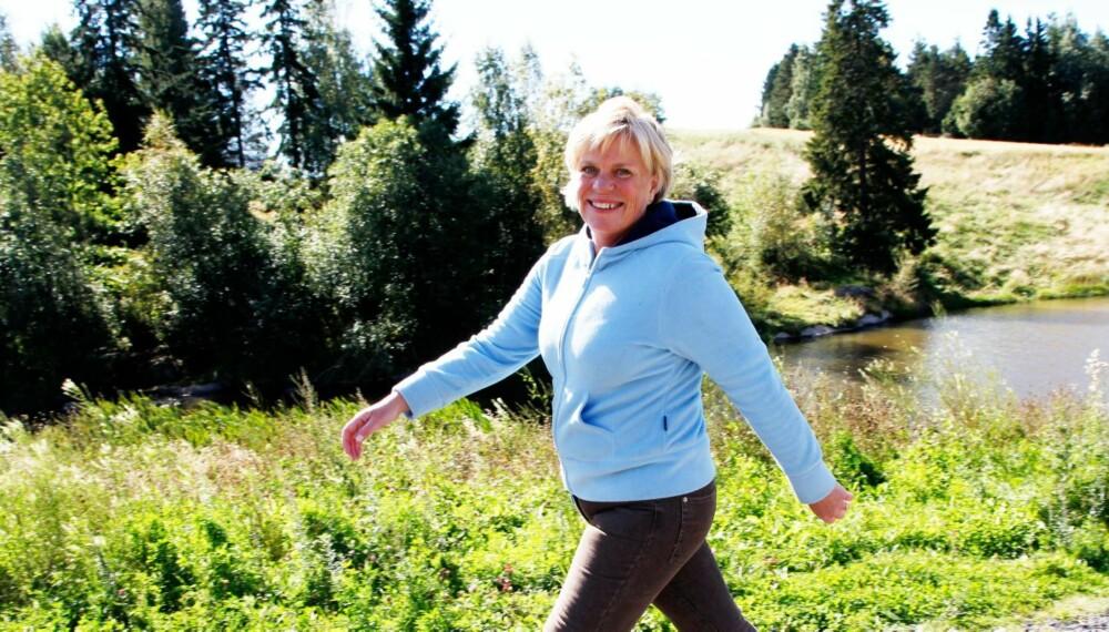 TANKER: Elisabeth Einarson (46) fikk hjelp til å kjenne igjen de selvsaboterende tankene sine. Det resulterte i 23 kilo vektreduksjon.