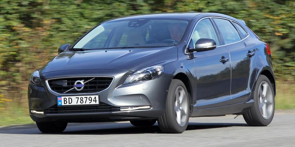 TREGERE: Testresultatene viser at Volvo V40 er forbløffende mye tregere enn Ford Focus, særlig på høye gir.