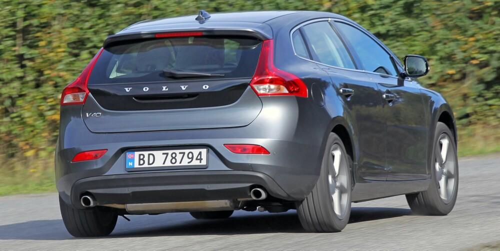 SJEFEN: Volvo V40 er den nye sikkerhetssjefen i klassen selv om Ford Focus følger V40 et stykke på vei i aktive sikkerhetssystemer.
