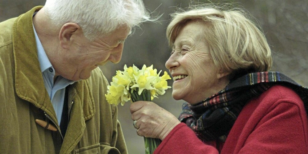 BILDE: Varig kjærlighet? Ikke la deg styre av følelser alene. Viljen til å velge bort tvilen, er viktig i virkelighetens kjærlighetsliv.