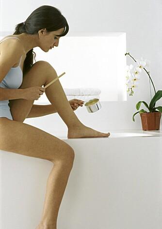 VARMVOKS: Pass på å ikke ha for varm voks, da får du en smertefull opplevlese.