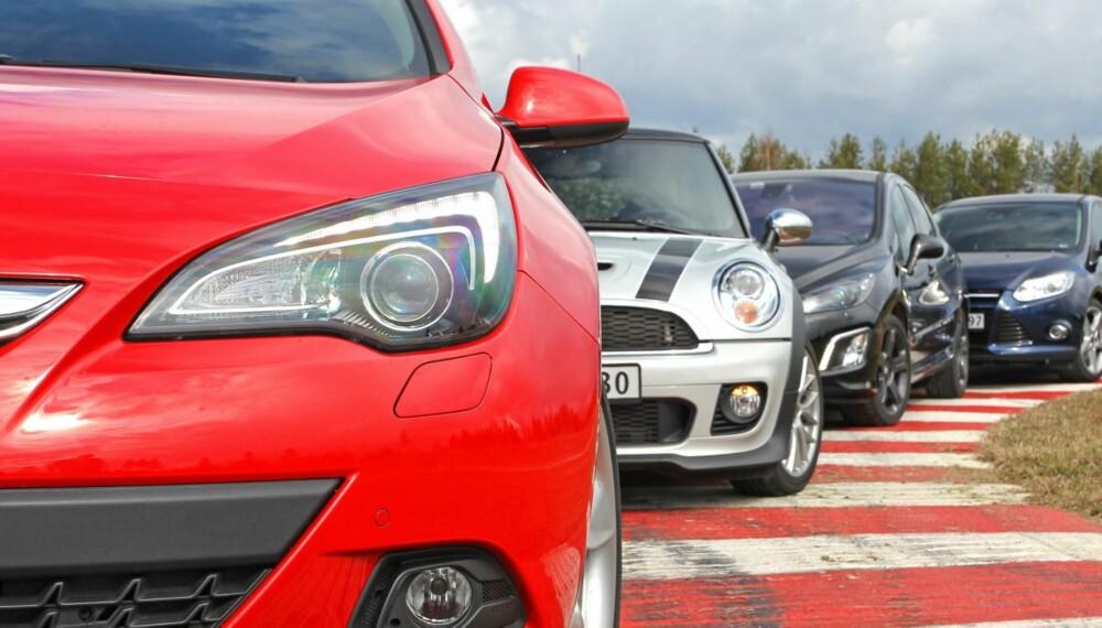 STORTEST: Opel Astra GTC 1,6T (180 hk), Mini Cooper S (184 hk), Peugeot 308 GTi (200 hk) og Ford Focus 1,6 EcoBoost (182 hk). Foto: Petter Handeland