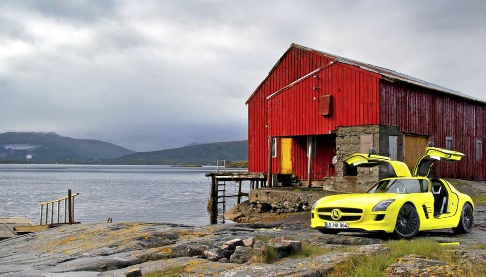 SPEKTAKULÆRT: Vi forstår veldig godt hvorfor AMG ville vise fram SLS AMG E-Cell i Kristiansund-traktene.