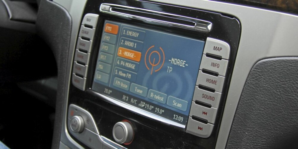 Ford Galaxy 09