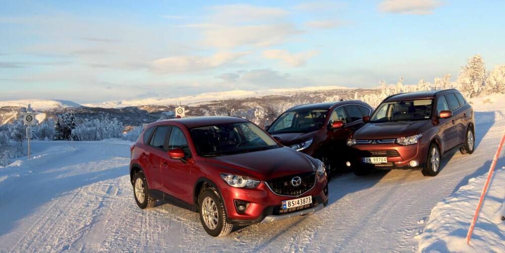 3 I TEST: Mazda CX-5, Honda CR-V og MItsubishi Outlander i sitt rette element.