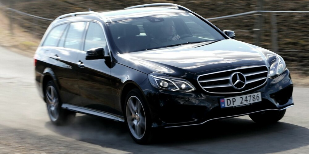 NYTT FJES: Mercedes E-klasse har fått helt ny front, og også hekken er endret. FOTO: Terje Bjørnsen