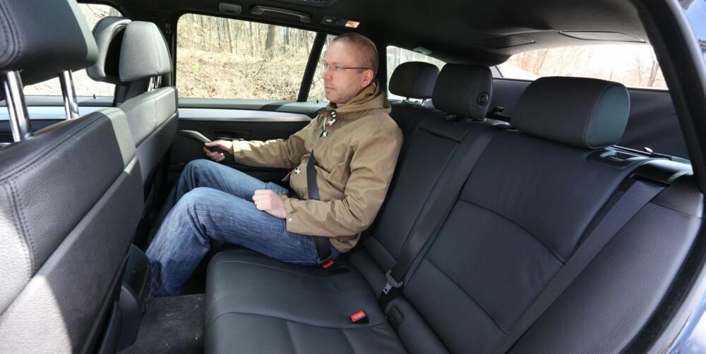 FOR TO: Baksetet i BMW-en er først og fremst formet for to personer. FOTO: Terje Bjørnsen