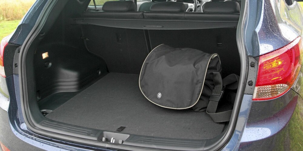 STORT: Bagasjerommet i Hyundai ix35 er stort, og lett å utnytte.