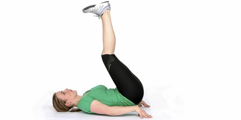 HOFTELØFT: Trener de rette magemusklene.