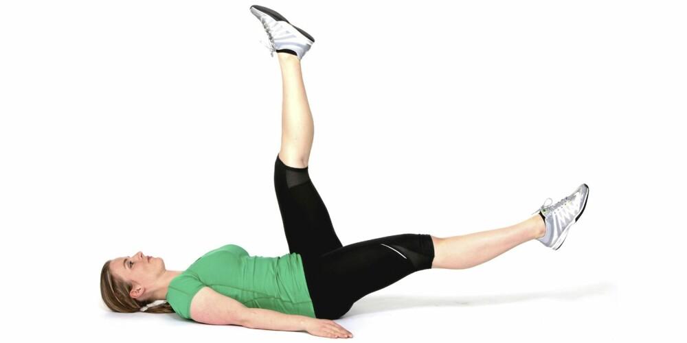 BEINSENK: Trener de rette magemusklene.