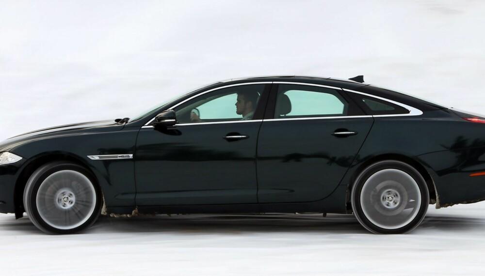 SMEKKER: Ian Callum hadde en god dag på jobben da han designet Jaguar XJ.