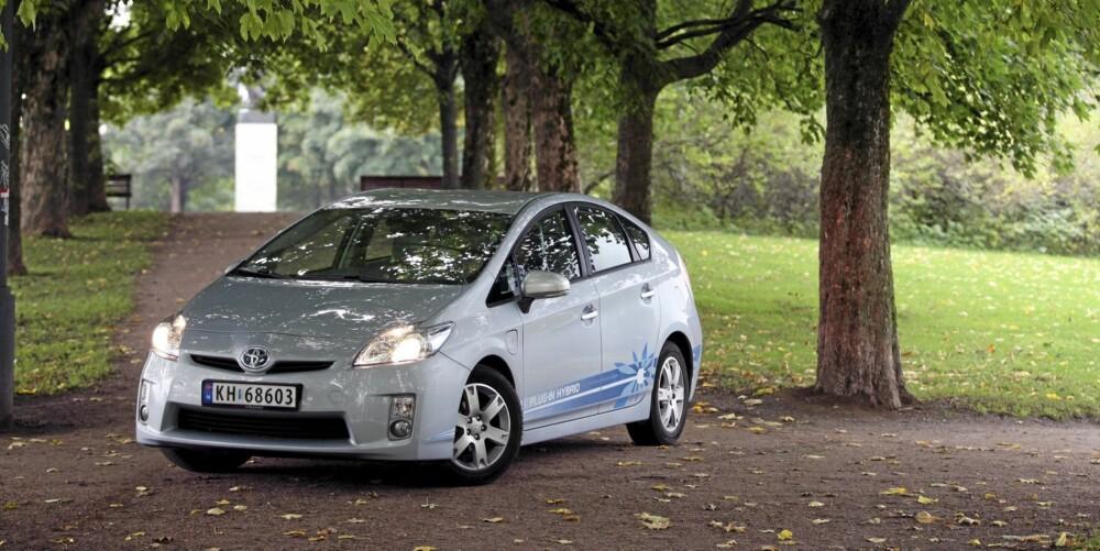 500 EKSEMPLARER: Toyota har bygget 500 Plug-in-versjoner av Prius for å teste konseptet.