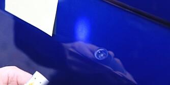 POST IT: Bruk noen Post It-lapper til å markere områdene du skal se nærmere på etter bilvasken. FOTO: Terje Haugen
