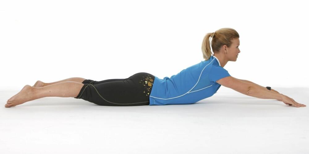 SVANEN: Trener musklene i korsryggen.