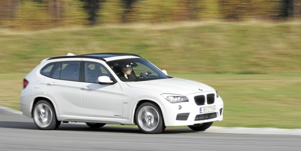 SÆREGEN: Utseendemessig er BMW X1 noe for seg selv. Farge og felger er viktige valg om den skal vise seg fra sin beste side.