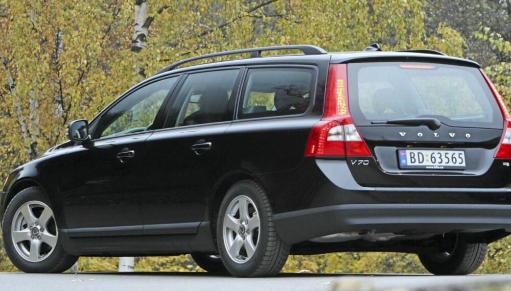 ANDREPLASS: Vinterbilen Volvo V70 gjør det knallbra i november.