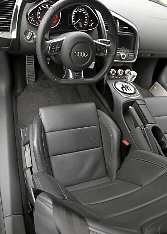 DET DU TRENGER: Et sete som støtter svært godt opp om kroppen, et ratt og pedaler som er riktig plassert. Den opplevde kvaliteten er i vanlig Audi-klasse, det vil si svært god.