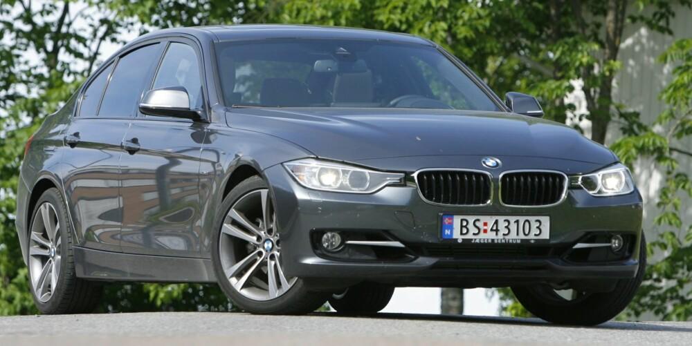 LAV OG BRED: Fronten får den nye BMW 3-serie til å se mer sportslig ut enn den forrige. FOTO: Petter Handeland