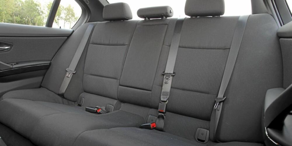 LITEN PLASS: 3-serie er blant bilene med dårligst plass i denne klassen.