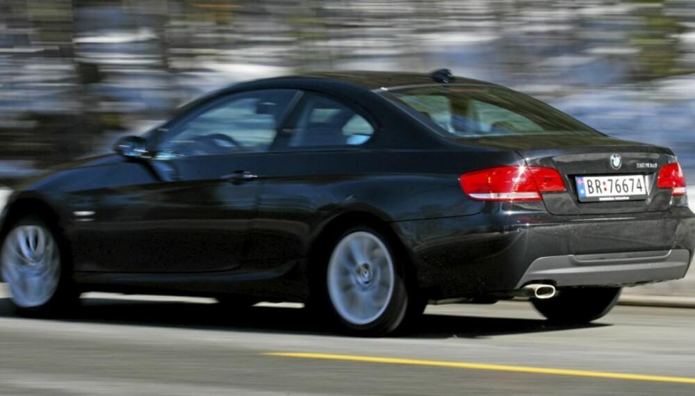 I BØTTE OG SPANN: BMW leverer kjøreegenskaper i toppklasse som forventet, og xDrive-systemet er perfekt for norske kjøreforhold.
