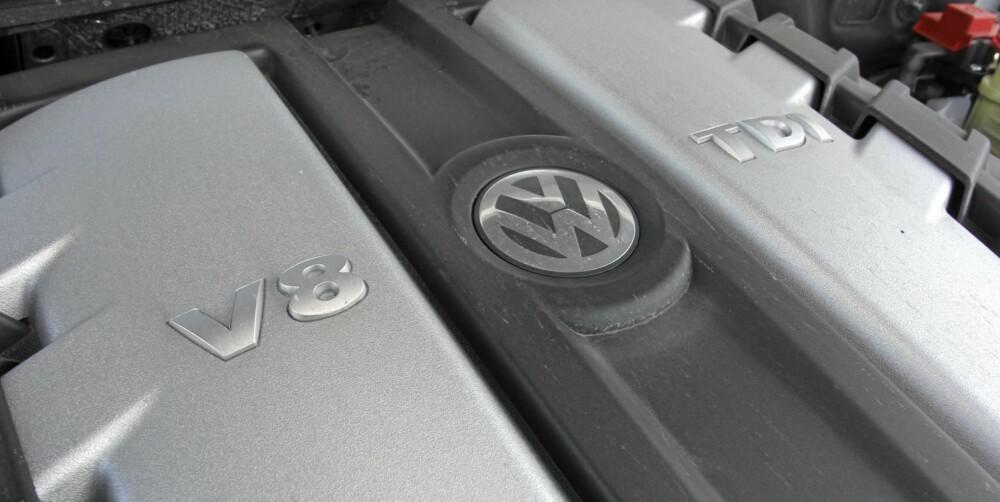 MUSKELMOTOR: En ordentlig dunderdiesel setter skikkelig fart på VW Touareg V8 TDI