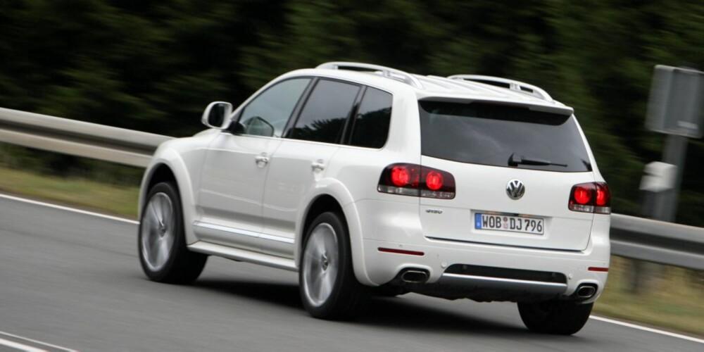 R50 skiller seg stylingmessig klart fra V10 TDI. Modellen er mer outrert eksteriørmessig, uten å være overlesset