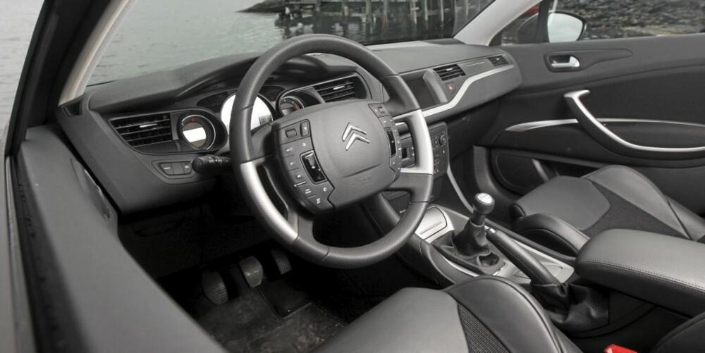 Citroen C5 sedan 20091106 Citroën C5 1,6 HDi Dynamique sedan, 2009-modell