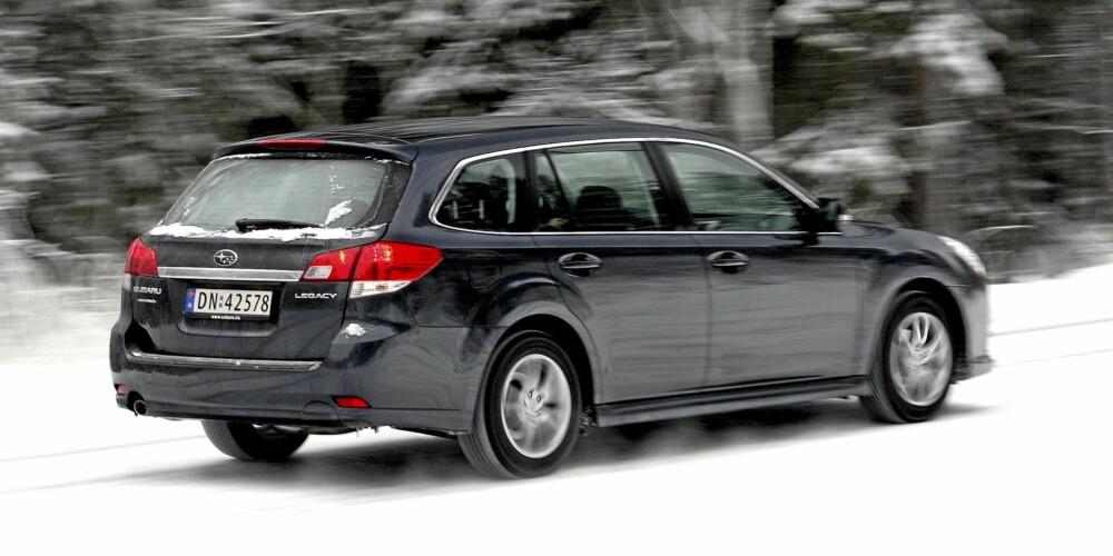 POTENT SAK: Legacy har med sin permanente firehjulsdrift meget god fremkommelighet og fine kjøreegenskaper.