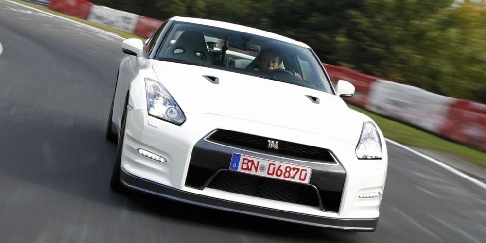 RASK: Nissan GT-R på Nürburgring. Foto: Martin Meiners