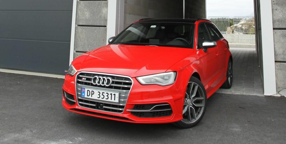 SPORTY: Audi S3 kombinerer praktiske egenskaper, brukbar komfort og supre kjøreegenskaper på en forbilledlig måte. Den store haken er at det koster fryktelig mye penger. FOTO: Petter Handeland