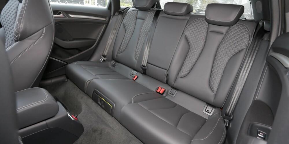 SJÅFØRBESTEMT: Komforten i baksetet vil avhenge av sjåførens kjørestil. Utgangspunktet er bra. FOTO: Terje Bjørnsen
