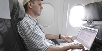 ELEKTRISK UTSTYR MÅ AV: Hvorfor må vi egentlig skru av alt av elektroniske utstyr ved take off og landing, selv om det ikke sender ut signaler?