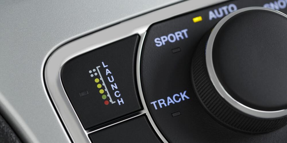 TRACK MODUS: Jeep Grand Cherokee SRT har egen innstilling for banekjøring. Ganske heftig for en SUV. FOTO: Produsent