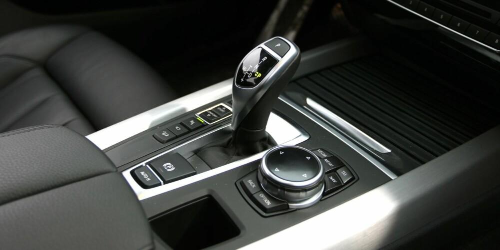 GODSAKER: BMWs åttetrinnskasse er kanskje det beste automatgiret på markedet. FOTO: Petter Handeland