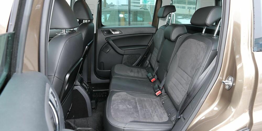 FOR FIRE: Skoda Yeti er en typisk firepersoners-bil, men regulerbart baksete hjelper på fleksibiliteten.