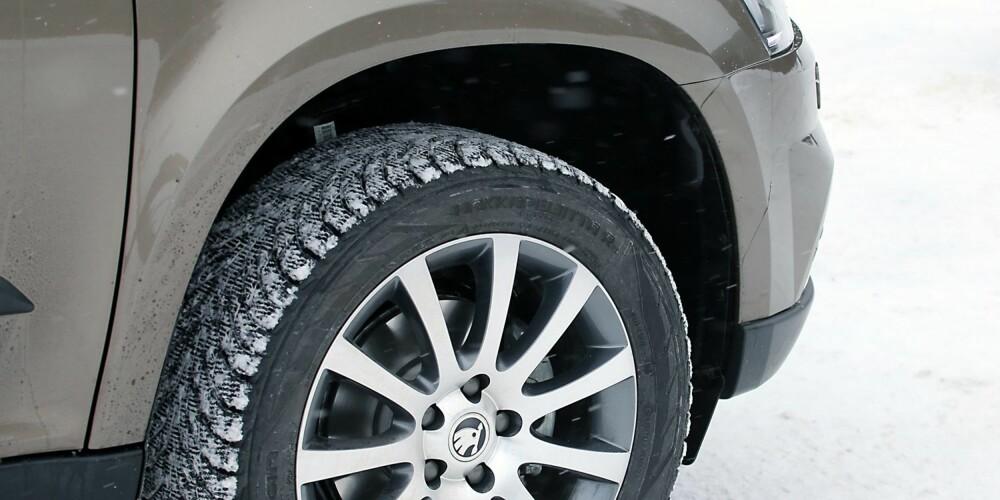 HØY NOK: Bakkeklaring på 18 cm er 4-5 cm mer enn på en normal bil.