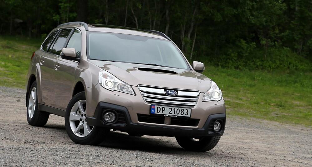 4X4: Subaru Outback 2,0D Lineartronic har masse plass, permanent firehjulstrekk og et forbruk på 0,57 liter per mil. FOTO: Terje Bjørnsen